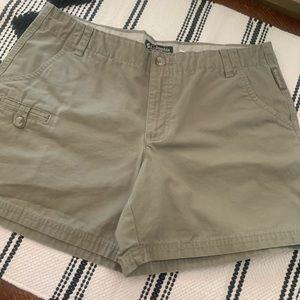 EUC Columbia Green Khaki Shorts Size 8P